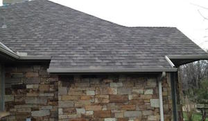 Homes roofed with asphalt shingles in Choctaw