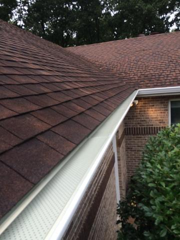 Seamless Aluminum Gutter & Downspout Installation in Saint Louis