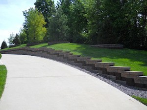 Retaining wall in Missouri and Illinois