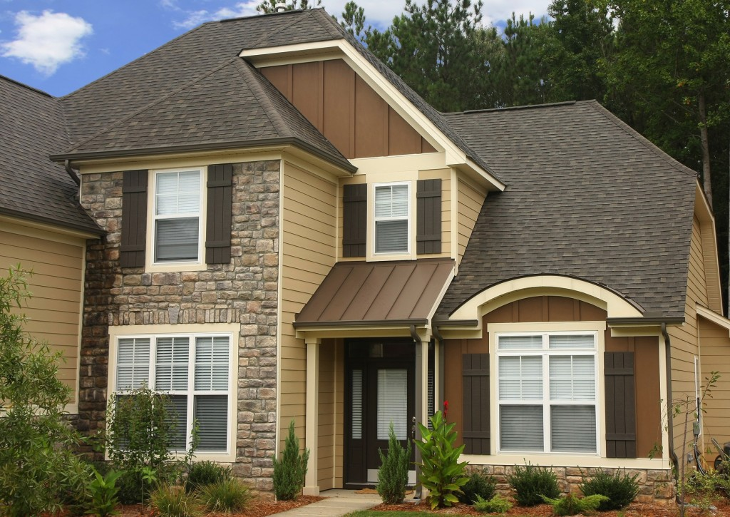 Add some greenery to make neutral James Hardie siding come alive!