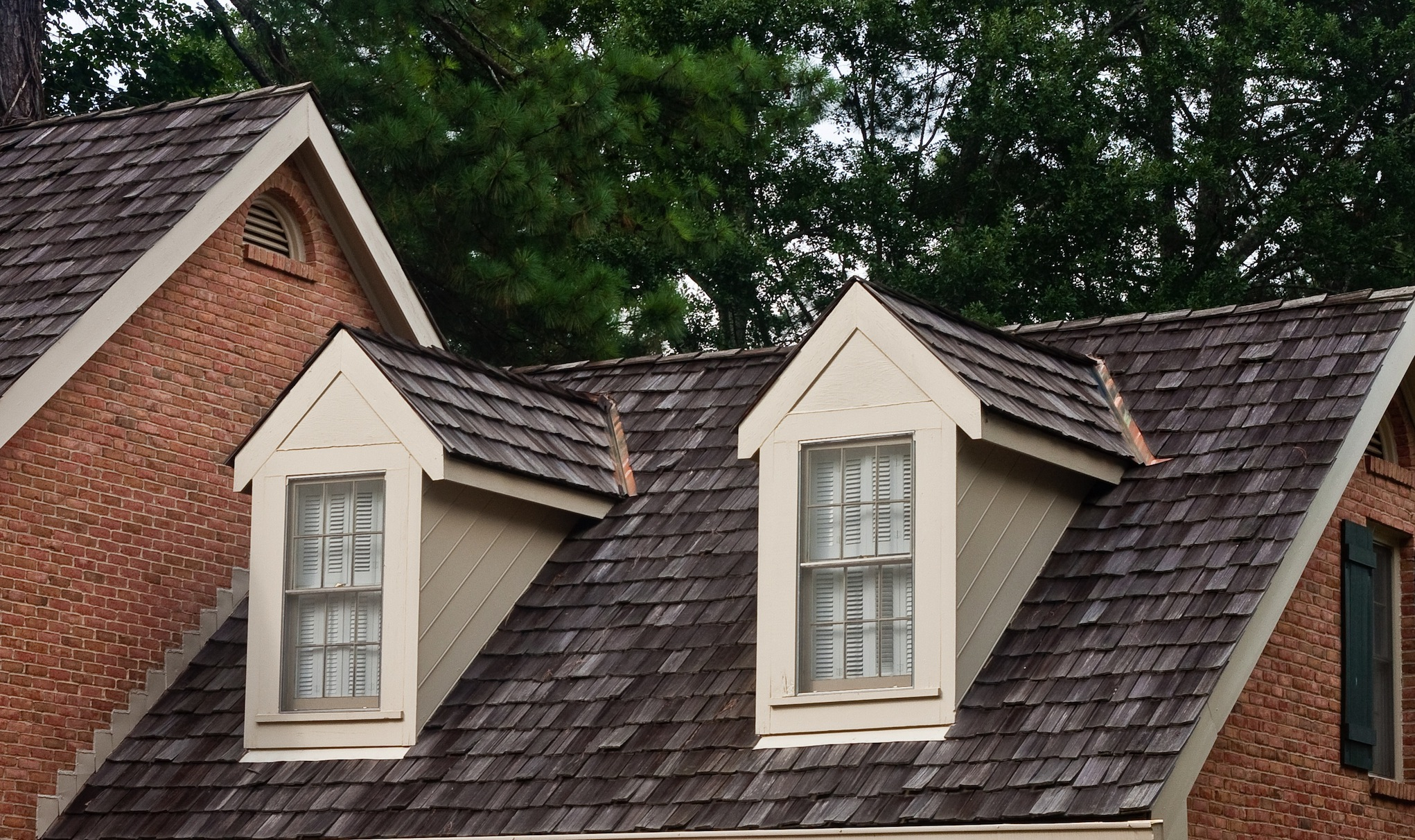 Selecting the right roofing materials for colorado homes for Home roofing options