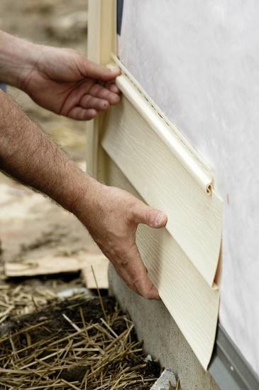All types of siding will eventually wear out, so how do you know when to repair or replace your home's...