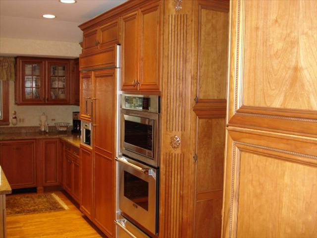 custom kitchen cabinets in Illinois