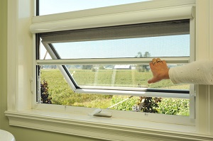 Phantom Serence retractable screens