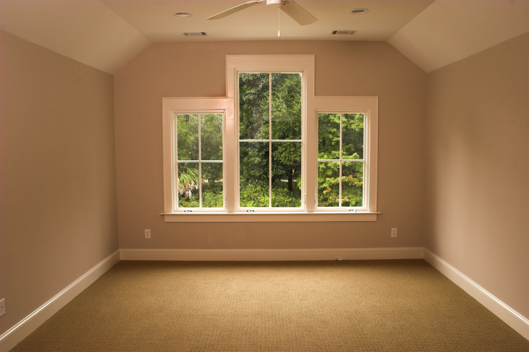 4 Differences Between Casement And Double Hung Windows