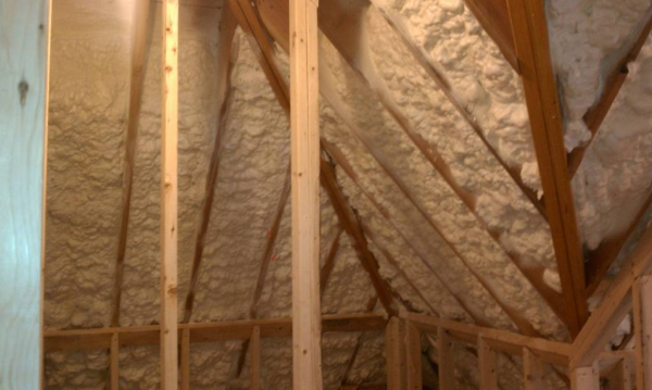 Icynene Open Cell Spray Foam Insulation LDC50 - Coastal Insulation Corp. - Spray Foam Contractor - 10 inches of foam in roofline