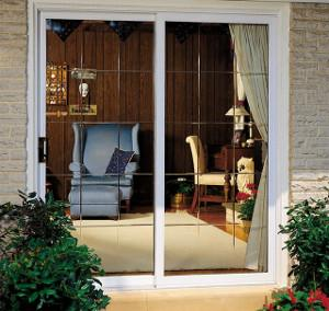 Vinyl patio door with shadow bevel glass