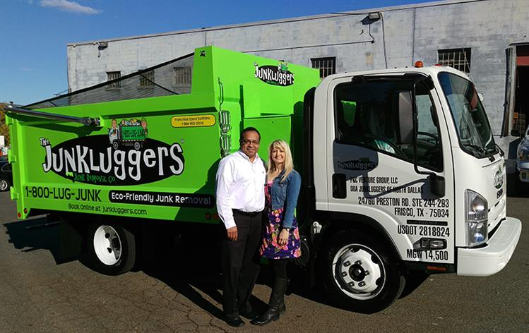 The Junkluggers has opened its first franchise in Texas! Owners Pete & Cynthia Ybarra will provide eco-friendly junk......