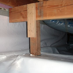 A crawl space liner system
