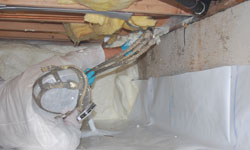 Crawl space vapor barrier system in Courtenay, British Columbia